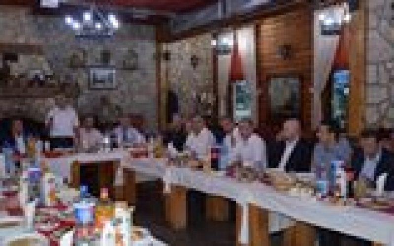 (Srpski) Iftar u Sjenici u organizaciji Bošnjačkog nacionalnog vijeća