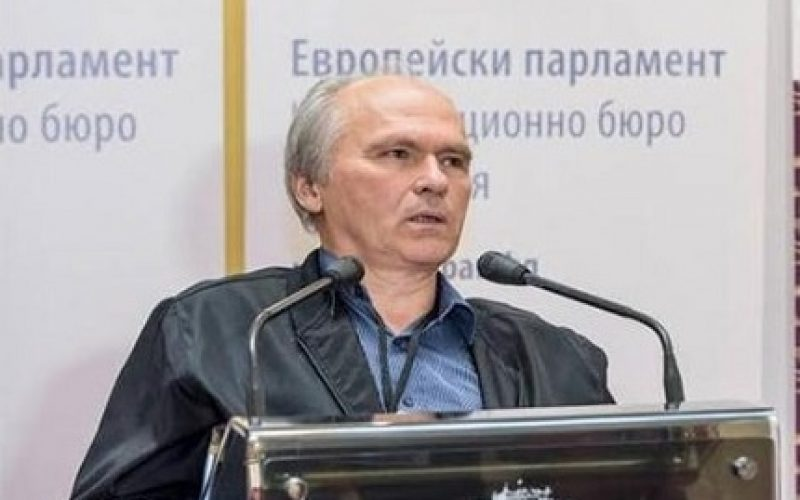 """(Srpski) Novinar Ivan Nikolov dobitnik nagrade """"Evropljanin 2016"""""""