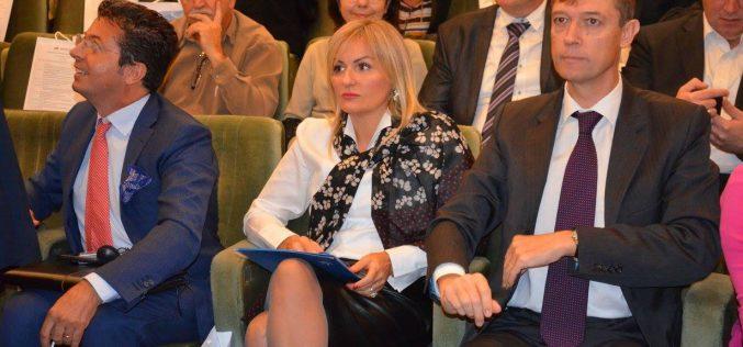 (Srpski) Paunović: Opštine potpisale prvu Deklaraciju o unapređenju položaja Roma