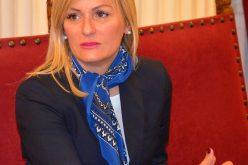 Paunović čestitala Roš Hašanu