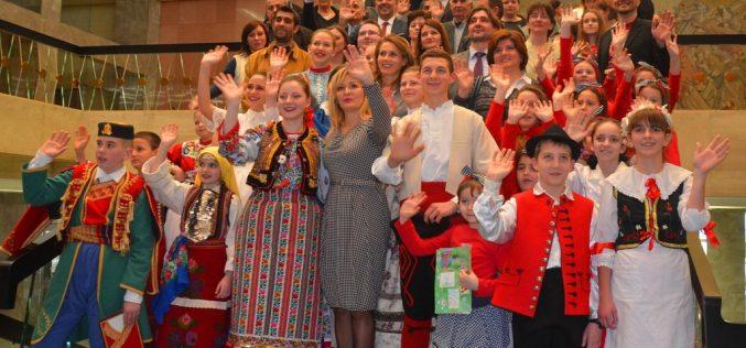 Paunović: U Srbiji živi više od 30 etničkih zajednica koje govore različitim jezicima