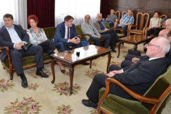 (Srpski) Potpisani ugovori sa predstavnicima nacionalnih saveta sa sedištem na teritoriji AP Vojvodine