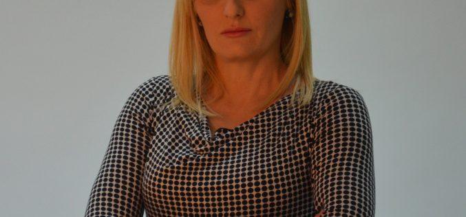 Uskršnja čestitka Suzane Paunović