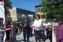Svečano otvoren Trg i letnja pozornica u Jabuci