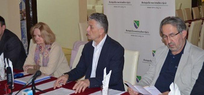 (Srpski) Sastanak sa predstavnicima medija i NVO sektora iz Sandžaka