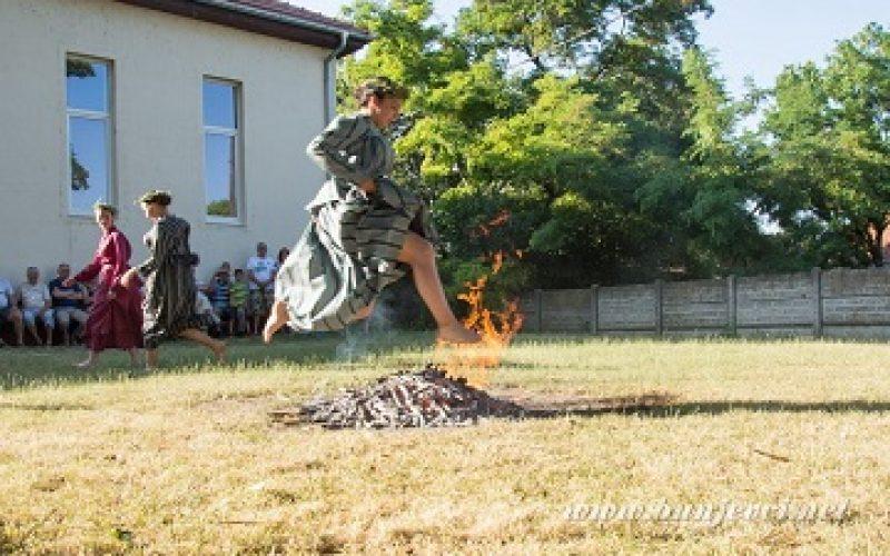 Priskakanje vatre na Sv. Ivana Cvitnjaka