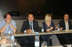 (Srpski) Uloga Nacionalnih saveta u rešavanju problema manjina u lokalnim samoupravama