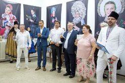 """(Srpski) Bošnjak na otvaranju izložbe """"Slovačka lepota"""""""