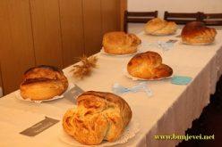 (Srpski) Održana tradicionalna izložba kruva – somuna u Tavankutu