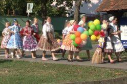"""(Srpski) """"Dečija svadba"""" u Kovačici"""
