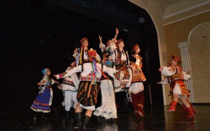 Folklorni ansambl iz Kanade održao koncert u Kuli