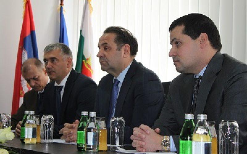 (Srpski) Valeri Simeonov i Rasim Ljajić održali sastanak u Dimitrovgradu