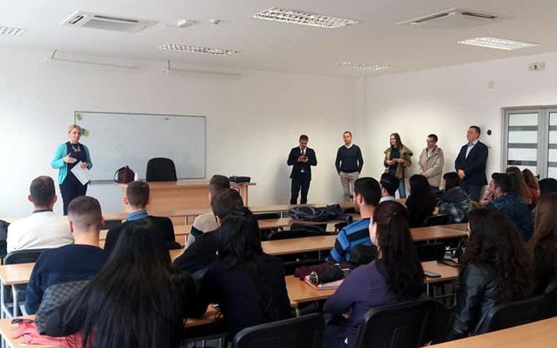 Albanski studenti uče srpski jezik