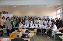 (Srpski) Učenici ponosno uče na svom jeziku
