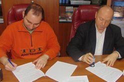 (Srpski) Potpisan sporazum o saradnji između Češkog medijskog centra i Nopea