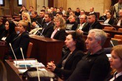 Uručeni ugovori za unapređenje višejezičnosti u AP Vojvodini