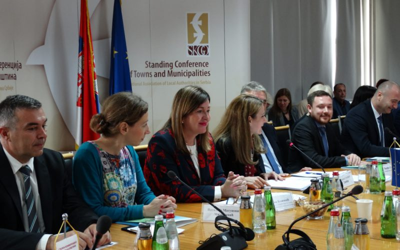 """Potpisan sporazum u okviru programa """"Podrška EU inkluziji Roma – Osnaživanje lokalnih zajednica za inkluziju Roma"""""""
