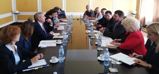 (Srpski) Pragmatičnim pristupom do poboljšanja položaja manjina u Rumuniji i Srbiji