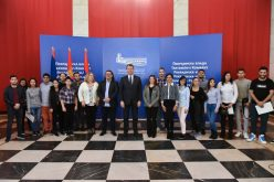 (Srpski) Mirović: Nastavljamo da stipendiramo studente romske nacionalne manjine sa VPŠSS u Vršcu