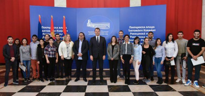 Mirović: Nastavljamo da stipendiramo studente romske nacionalne manjine sa VPŠSS u Vršcu