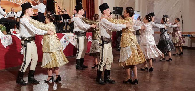 (Srpski) Festival rumunske muzike i folklora u Lokvama