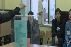 (Srpski) Skoro svaki četvrti Subotičanin danas može na glasanje