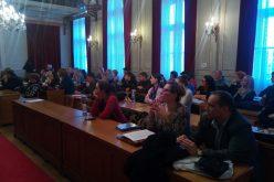 (Srpski) U Somboru održana treća javna debata na temu Jezik i pismo na javnom medijskom servisu RTS i Programski sadržaji RTS-a