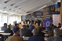 (Srpski) Okrugli sto o službenoj upotrebi manjinskih jezika i pisama