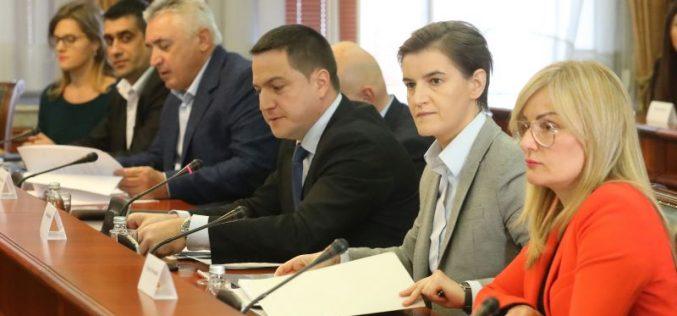 (Srpski) Vlada kontinuirano unapređuje položaj pripadnika nacionalnih manjina