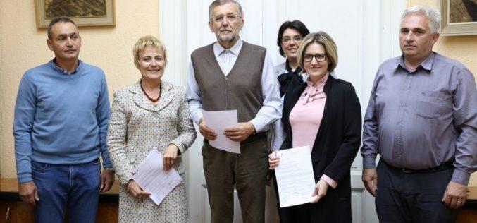 (Srpski) Nova financijska potpora obrazovanju