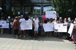 (Srpski) Frakcija Jevrejske opštine Beograd protestovala ispred Ministarstva pravde