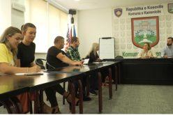 Prvi korak za bolje odnose – Srbi u Kamenici uče albanski, a Albanci srpski