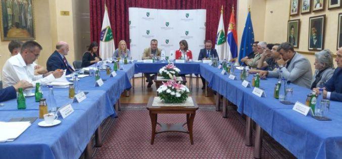 (Srpski) Zaštitnik građana sa predstavnicima nacionalnih vijeća nacionalnih manjina