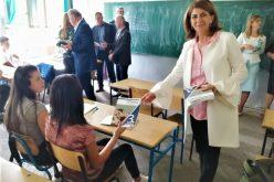 Besplatni udžbenici za srednje škole u Sjenici i Tutinu