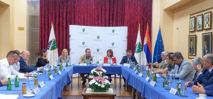 (Srpski) Zoran Pašalić sa predstavnicima nacionalnih saveta nacionalnih manjina u Novom Pazaru