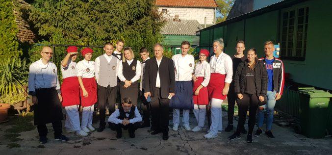 """U Kovinu održan drugi gastronomski događaj """"Naši slovenački specijaliteti"""""""