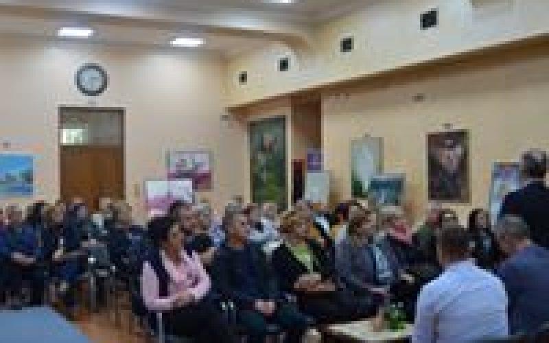 (Srpski) Posjeta nastavnika iz Tuzlanskog kantona Bošnjačkom nacionalnom vijeću