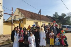 (Srpski) ODRŽAN MASKENBAL U BELOJ CRKVI I KRUŠČICI