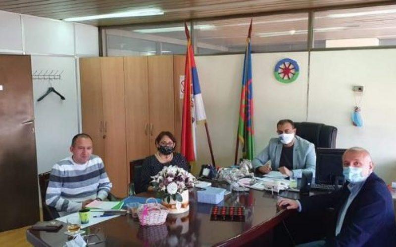 (Srpski) ROMSKI NACIONALNI SAVET  ODRŽAO RADNI SASTANAK SA PREDSTAVNICIMA UDRUŽENJA NOVINARA SRBIJE